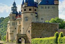 books & schools / a german school of magical arts