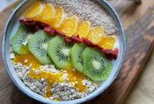 BOWLS.   Rezepte. / bunte und gesunde Bowls mit viel Obst und Gemüse, vegan oder einfach nur gesund und lecker. Zum Frühstück oder zwischendurch - ich finde sie passen immer!