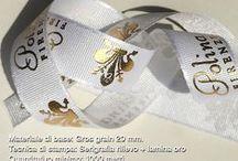 Nastri personalizzati in raso, doppioraso, cotone, gros grain / Nastri personalizzati con loghi o scritte per confezioni, eventi, pacchi regalo, brand incentive - Qualità di stampa eccezionale!
