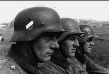 Zweiten Weltkrieg (Deutsche Wehrmacht) 1939-1945 / Wehrmacht (german armed forces) Heer-Kriegsmarine-Luftwaffe and the Schutzstaffel (SS)