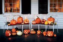 Halloween & Fall Porch Decoration / Put your home's best foot forward by making your porch the most impressive on the block.