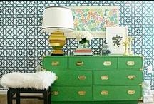 Furniture Makeover / Everything you need, from tips and trick to inspiration photos for creating beautiful and professional looking furniture Makeover.