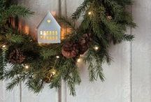 Christmas Porch Lights / Some lovely ideas for how to decorate and light your porch at Christmas!