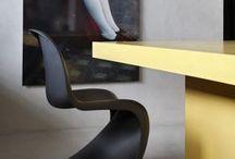BOOZ THEMA | URBAN / De Urban stijl is een mix van minimalistisch met moderne aspecten. Het bestaat uit simpele  vormen, strakke lijnen en zwart/wit met geel als bruisende accentkleur. Wat de Urban stijl vooral aantrekkelijk maakt is de functionaliteit en de flexibiliteit. De producten passen zich aan aan de ruimte. Denk aan een betonnen vloer en onafgewerkte muren waar je meubelen en woonaccessoires ziet met strakke dessins en felle kleuren als een accent.