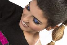 """Fun Summer / Estilo colorido y pop en un editorial muy fresco, joven y veraniego. Alusiones a la estética """"Rave"""" de los 90 y a la cultura de club, así como de aquellas influencias del """"Pop Art"""", el """"Kisch Art"""", el mundo del cómic y el """"sportwear"""", se entremezclan con una serie de prendas al más puro estilo de las playas de Miami en éste editorial. Creaciones de la diseñadora gallega La Crixa, maquillaje por Maria Mato, todo ello acompañado de la energía de Zulema Reyes como modelo para la sesión."""