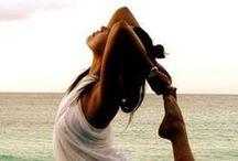 Yoga / Iedereen is op zoek naar rust in deze hectische wereld; ieder op haar  eigen manier. Altamira biedt inzicht, verdieping en ontspanning om het leven bewuster te leven. Voel, ervaar en leef!