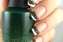 Christmas nails / Christmas themed nails made by me.