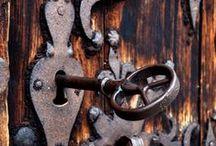 Keys / Unlocking The Mysterious
