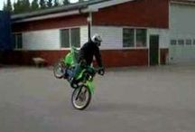 Moped and 125cc stuntride / <--125cc stuntride. Stunt and other riding with moped and 125cc bikes