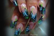 nechty s motýlmi
