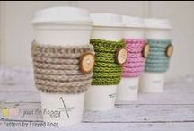 Crochet cup cozy, mug cozy, mug rug, coffee cozy and bottle wrap patterns / Crochet patterns for cup cozies, mug cozies, coffee sleeves, coffee cozies, bottle wraps, coasters, mug rugs and bottle carriers! Free and paid patterns!