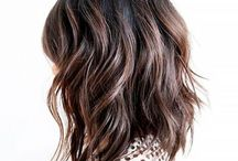 Puolipitkät hiukset