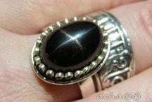 Черная звезда Индии (диопсид) / редкий красивый натуральный индийский камень черный диопсид  с эффектом астеризма называется Black star of India
