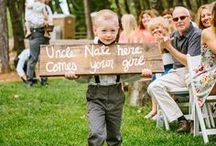 S I G N S / Beautiful collection of signs at weddings! #weddings