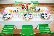C O L O R F U L B R I D E / Bright and festive weddings with pops of color #weddings