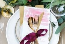T A B L E S / Designing your wedding reception is no easy task. This board features a ton of rustic wedding styles to help you decorate your plates. #centerpieces #weddings