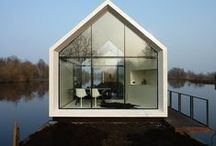House exterior / Modern architecture