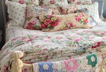 Bedrooms / Cottage Bedrooms, Shabby Chic Bedrooms, Quilts on Beds