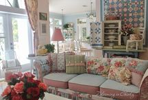 Family Rooms / Cottage style family rooms, shabby chic family rooms, vintage style family rooms