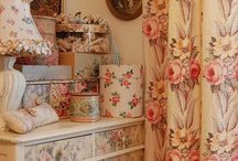 Arrange & Display / Ideas for Arranging Things, Displays, Vignettes, Quilt Display Ideas