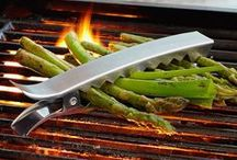 BBQ in Style / Don't be afraid of cooking. That's how delicious BBQ meats materialize.