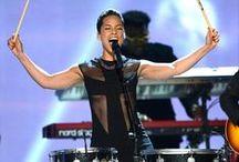 Grammys 2013 / Los ganadores, las mejores performance y los mejores vestidos de la alfombra roja.  / by LAVOZcomar