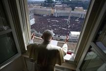 20 momentos del adiós del Papa / Un repaso, en imágenes, de los acontecimientos más importantes desde el anuncio de la renuncia del papa Benedicto XVI hasta la elección de su sucesor. / by LAVOZcomar