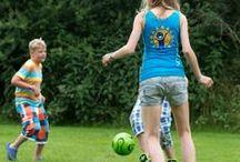 Voetbal / Foto's en speluitleg van (panna)voetbal.