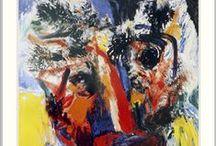 Jorn, Asger / Asger Jorn, geboren als Asger Oluf Jørgensen (Vejrum (Jutland), 3 maart 1914 – Aarhus, 1 mei 1973) was een Deens kunstschilder, schrijver en filosoof. Hij was een van de hoofdfiguren van de Cobrabeweging. Op 16-jarige leeftijd raakte hij beïnvloed door Nicolai Grundtvig en begon hij te schilderen. Asger werd ingeschreven in het Vinthers Seminarium, een lerarenopleiding in Silkeborg, waar hij een cursus in negentiende-eeuwse Scandinavische opvattingen volgde