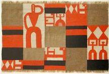 Taeuber-arp, Sophie / Sophie Taeuber-Arp (Davos, 19 januari 1889 - Zürich, 13 januari 1943) was een Zwitserse schilder en beeldhouwer. Haar werk wordt gerekend tot het Dadaïsme en het constructivisme. Sophie Taeuber-Arp staat afgebeeld op het biljet van 50 Zwitserse frank.