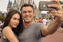 Celebrities at the parks / Even Hollywood's biggest stars enjoy the fun and thrills of the world's greatest theme parks! Take a peek at all the celebs enjoying Orlando's major attractions!