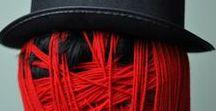Threads / Op dit bord vind je textielkunst waarin draden een belangrijke visuele component vormen.