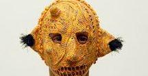 Masks / Op dit bord vind je textiele maskers.