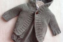 Vauvojen vaatteita