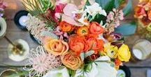 DIY wedding decor and flowers / inspiration for wedding decoration and flowers with bold colours and tropical leaves