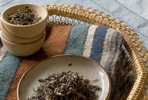 Certified Organic White Tea / Certified organic white tea. The tea leaves are dried using a special process to minimize oxidation, resulting in a smooth tea with delicate flavor notes.