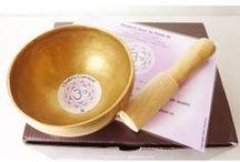 Bols Chantants Tibétains - Singing Bowls / Voici nos bols chantants tibétains fabriqués artisanalement dans la région du Bengale en Inde