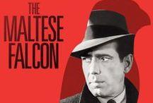 f i l m e s N O I R / Muitos filmes americanos de 1941 e 1958 foram inspirados ou adaptados de romances policiais. Filmados em preto e branco, eram escuros e com muita ação noturna. Críticos franceses se encantaram com o estilo e o batizaram de noir (negro). O cinema noir é essencialmente masculino. Há mais punhos, tiros, mulheres de caráter duvidoso e finais infelizes do que beijos apaixonados. Seguem alguns dos que mais gosto.