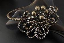 1920s inspired headdresses / 1920s inspired bridal headwear