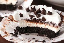 Desserts / by Ruth Rutt