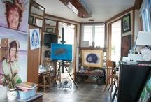 Artist Xpress Studio Boat / Plein-air art creations are aboard the floating art studio and gallery. The Caloosahatachee River & Gulf of Mexico reflects it's magic. The water inspires the artist to create compositions from nature. The respect for Claude Monet is visited here.