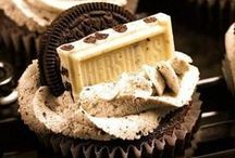 Cupcakes & Chocolate Frosting / Foods that make drool...