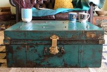 Steamer trunk revamp / Vintage storage. What's not to like?