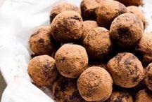 Cacao Powder Recipes / Viva Naturals' favourite recipes featuring cacao powder!