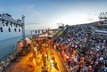 Théâtre de la mer / #theatredelamer #sete #mer #public #concert