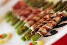 Food at Sandy Burr by Deja Blu Catering / Our preferred caterer is Deja Blu Catering. They create fantastic menus to fit any budget or style.