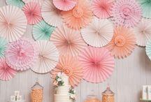 party like...Mint, Pink & Gold // COLOUR THEMED PARTY / Mint, Pink & Goöd sind eine tolle Farbkombi! Finde Ideen in Minttönen, Pink und Gold für den Geburtstag, eine Party oder die Hochzeit für DIY Deko, Girlanden, den Sweet Table, die Candybar und mehr!