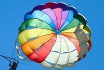 De Lucht in met.... / met  luchtballon,vlieger,vliegtuig,zeppelin,enz. Kijk ook op Yurls bij;Tineke Witlam.yurls.net