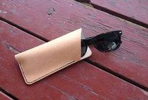Leather goods / Najdete tu věci co by se vám možná mohli hodit.
