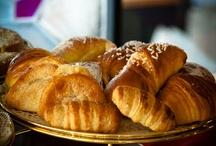 La nostra colazione / Prepariamo con cura la colazione per i nostri ospiti. Il buffet è ricco e vario, in grado di soddisfare ogni preferenza, dolce e salata. Da non perdere le nostre torte fatte in casa e il rinomato lardo di Colonnata!